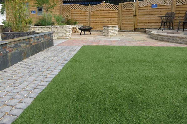 Landscaping - Grass, Paving & Walling