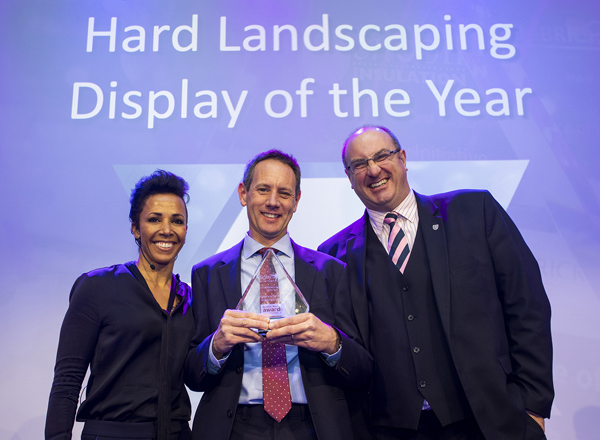 Awards Winner with Kelly Holmes 2019